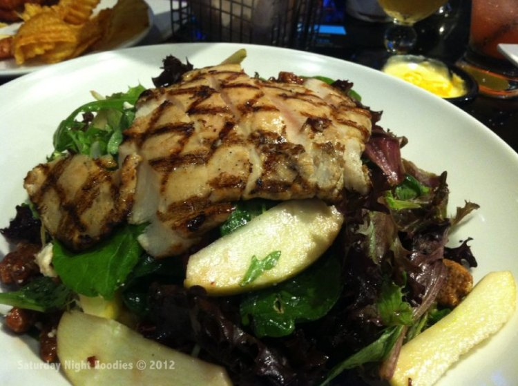Sweet Apple Pecan Salad with Grilled Chicken