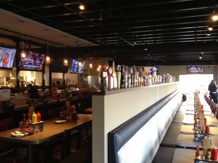 Inside the New Slater's 50/50 in Lake Forest